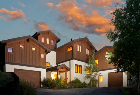 2480 Saddle Ridge Loop, Exterior Evening
