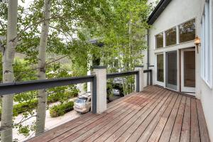 2427 Garmisch Drive B Vail CO-large-028-Deck-1500x1000-72dpi