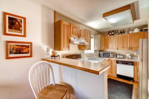 1000 Homestead Dr Unit 22-large-009-Kitchen-1500x1000-72dpi