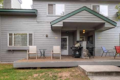 1000 Homestead Drive 22-small-003-Exterior Front-666x445-72dpi