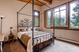 2645 Bald Mountain Rd Vail CO-large-014-Bedroom-1499x1000-72dpi