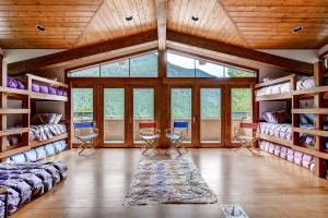 2645 Bald Mountain Rd Vail CO-large-016-Bunk Room-1499x1000-72dpi