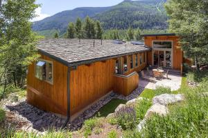 2645 Bald Mountain Rd Vail CO-large-024-Exterior Rear-1499x1000-72dpi