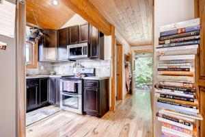 2845 Snowberry Dr A Vail CO-large-010-Kitchen-1500x1000-72dpi