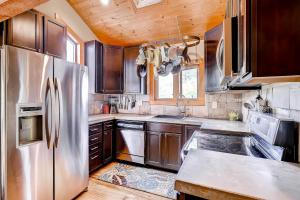 2845 Snowberry Dr A Vail CO-large-011-Kitchen-1499x1000-72dpi