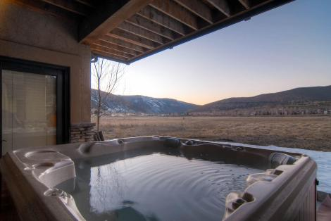 128 N Brette Trail Edwards CO-large-025-Exterior Hot Tub-1495x1000-72dpi