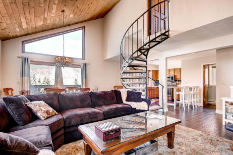 225 Eagle Dr 8B Avon CO 81620-large-005-Living Room-1500x1000-72dpi