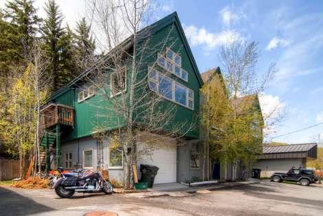 663 Boulder St Unit B Minturn-small-028-Exterior Side-666x446-72dpi